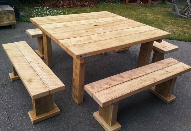 1.4x1.4m Table